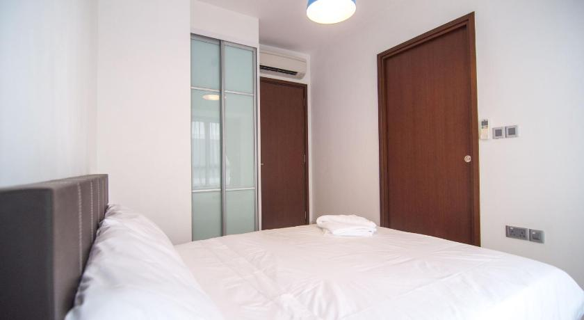 2 Bedroom Apartment At Queenstown With Cozy Living Room Furnished Kitchen Entire Apartment Singapore Deals Photos Reviews