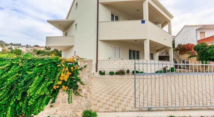 Best time to travel Solin Apartments Rogulj