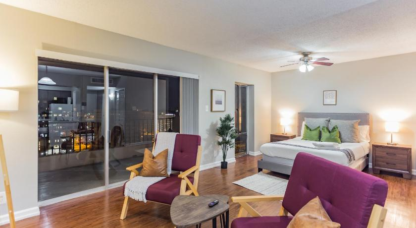 Best time to travel Memphis Beautiful Studio in Downtown Memphis + River Views