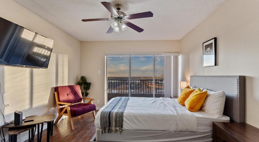 Best time to travel Memphis Modern Studio in Downtown Memphis