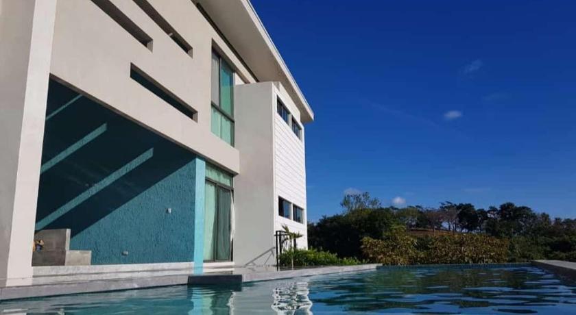 Esencia Guana Beach House Santa Cruz