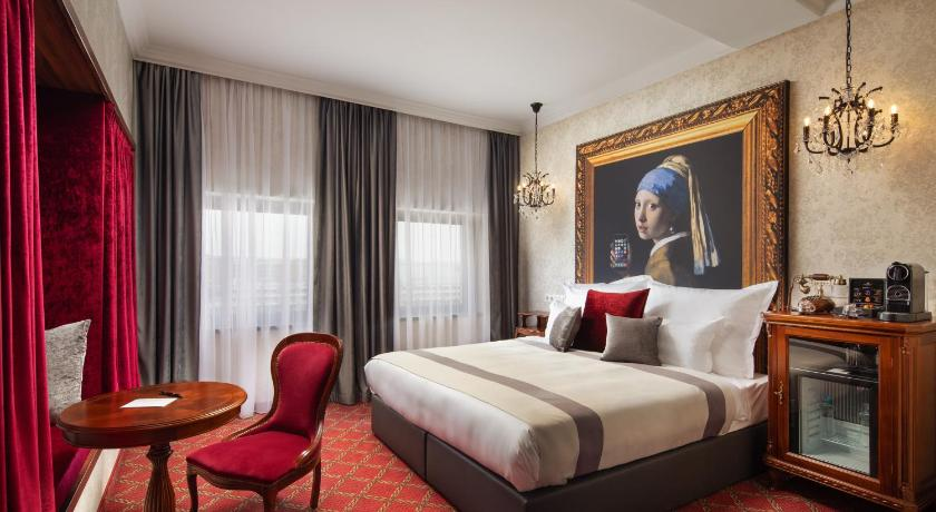 Best time to travel Budapest Mystery Hotel Budapest