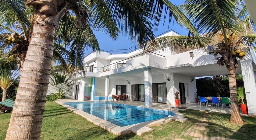 La Maison Blanche a Ngaparou, splendide villa contemporaine  Saly