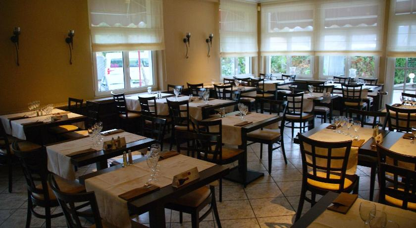Hotel restaurant kleinbettingen gare spread betting ftse 350 company