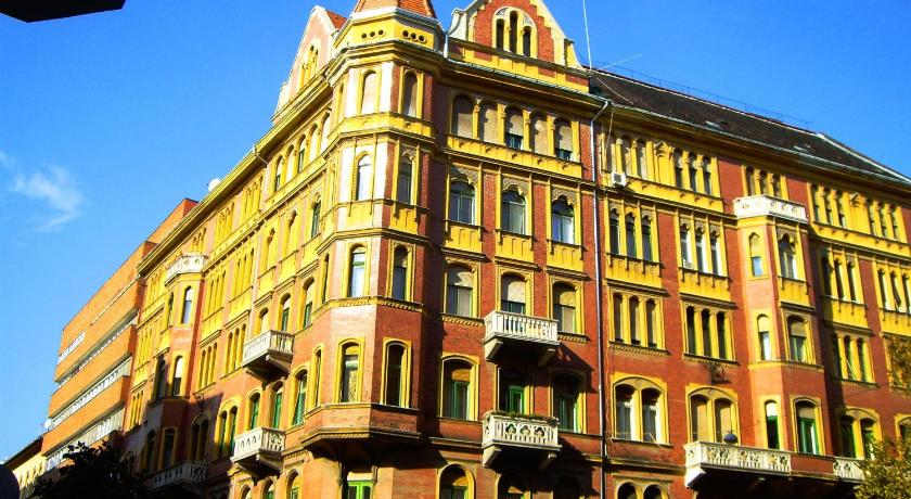Best time to travel Budapest VIII. kerület Dr. Blondy Apartments
