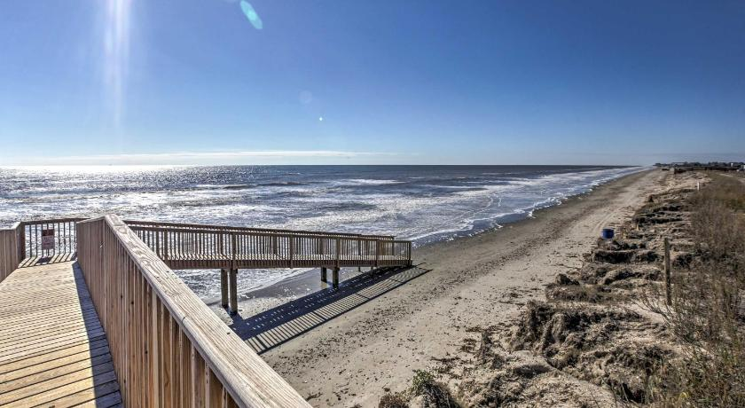 Beachfront Galveston Condo W Patio And