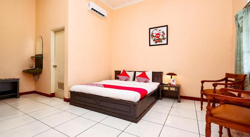 Fasilitas kamar OYO 2495 Hotel Wijaya