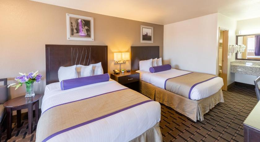 The Grand Canyon University Hotel In Phoenix Az Room Deals Photos Reviews
