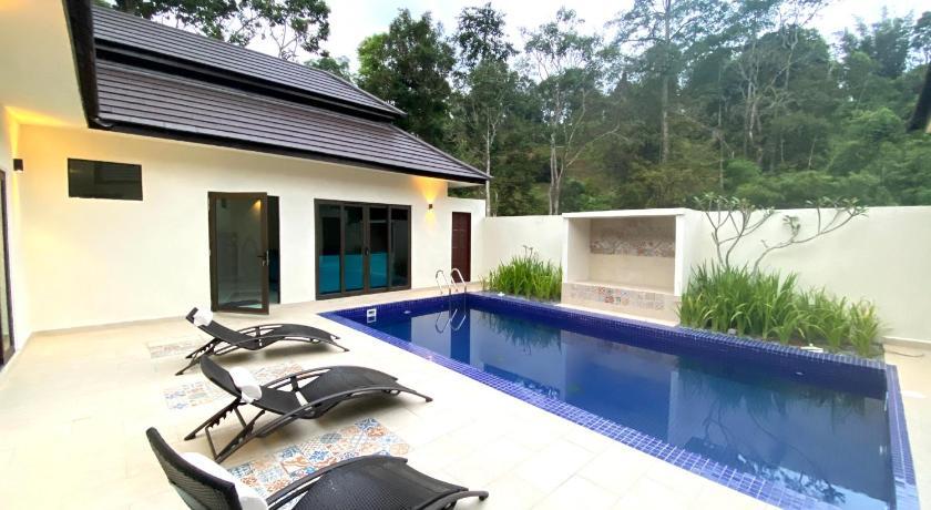 Charis Janda Baik Riverfronting Villa Entire House Bentong Deals Photos Reviews