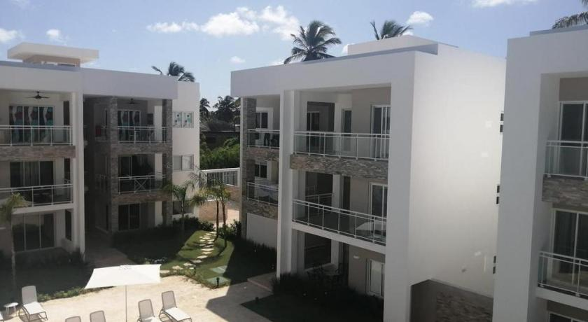 Paseo del Mar B2B FREE WiFi, Walk to the Beach, Grocery, Dining