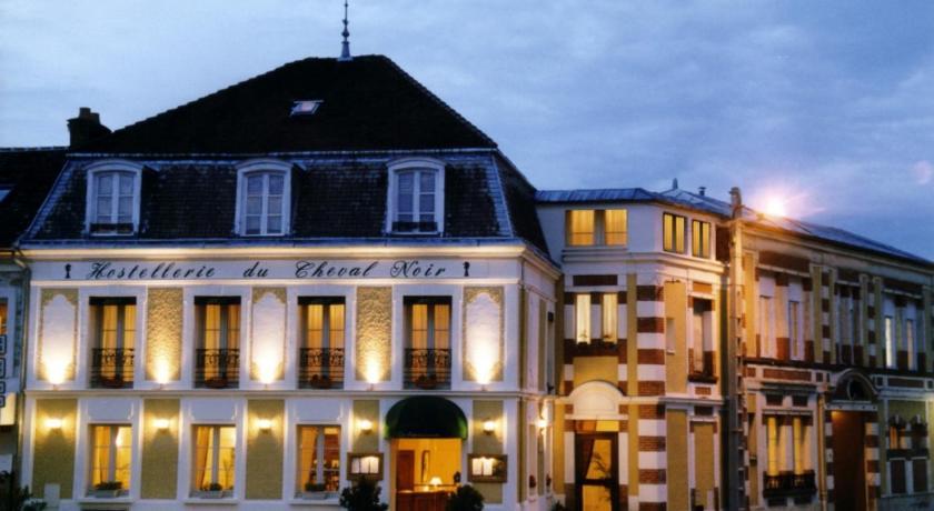 Hostellerie Du Cheval Noir Moret Sur Loing Booking Deals