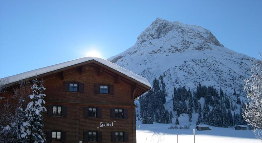 Best time to travel Austria Haus Gstüat