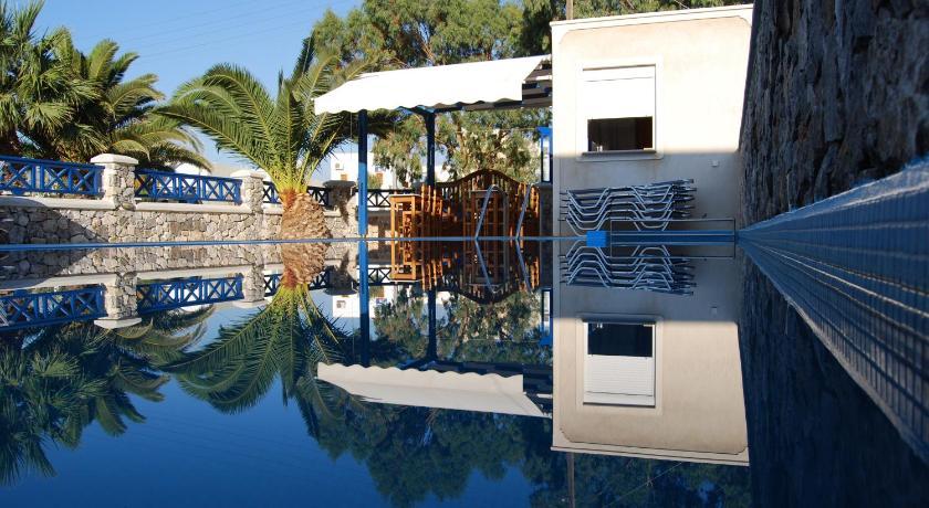 Best time to travel Santorini Aretousa Villas
