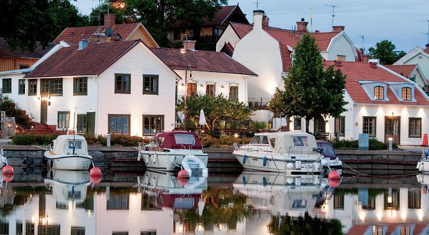 Best time to travel Sweden Lilla Hotellet Bed & Breakfast