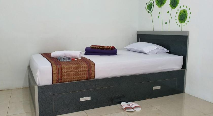 OYO 2198 Fatima Guest House Syariah
