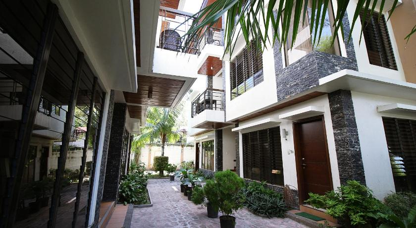 Hassaram Courtyard Serviced Apartments
