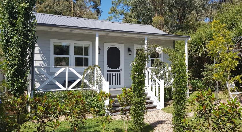 Georges at Hepburn - Miner's cottage