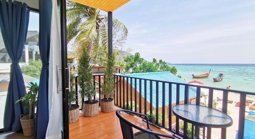 Sunrise Beach House: Private House