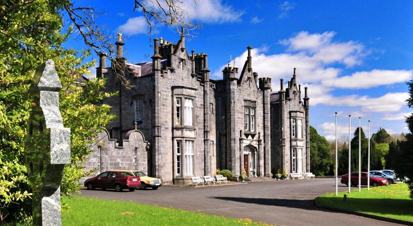 Best time to travel Ireland Belleek Castle