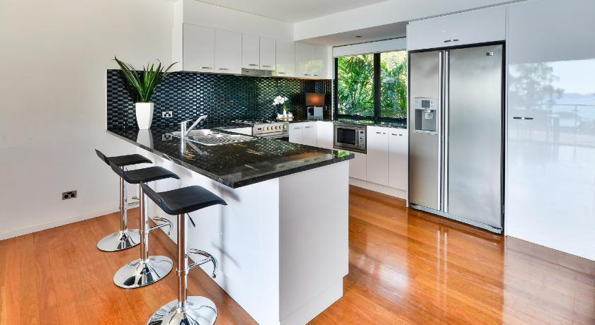 Pinnacle Apartments 1 Banksia Court Hamilton Island