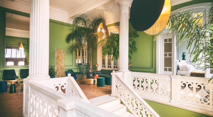 Aristide Hotel
