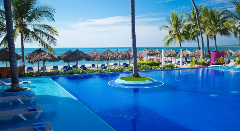 Best time to travel Mexico Crown Paradise Club Puerto Vallarta