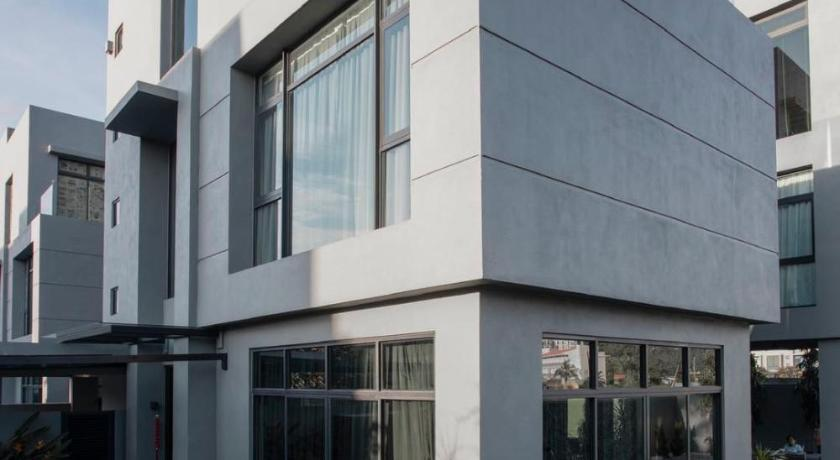 H Villa 12A بنغل فاخر مع مسبح خاص H 豪华 泳池 别墅