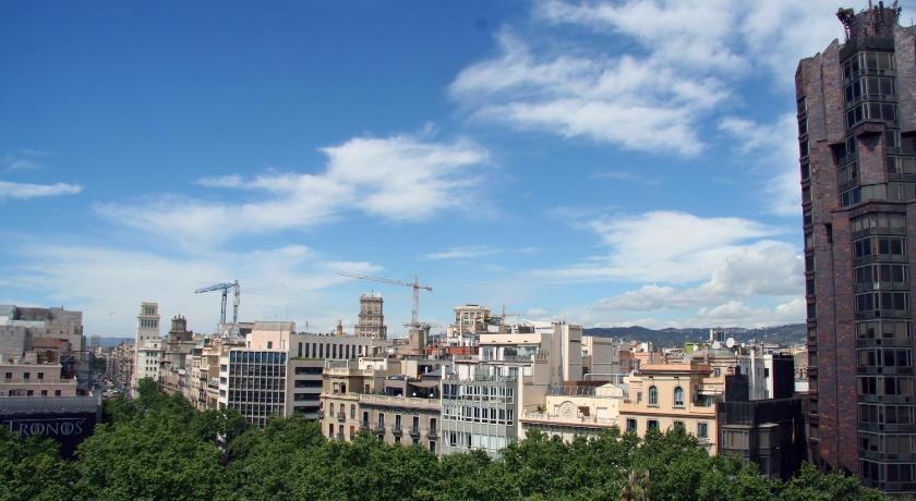 Mayerling Bisbe Urquinaona - Barcelona