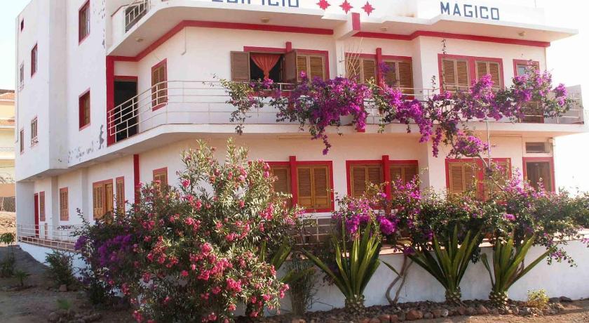Best time to travel Cape Verde Edificio Magico