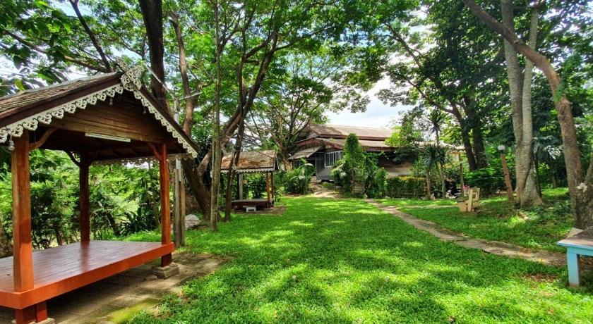 ภูธารน้ำใสรีสอร์ต Putan-namsai Resort