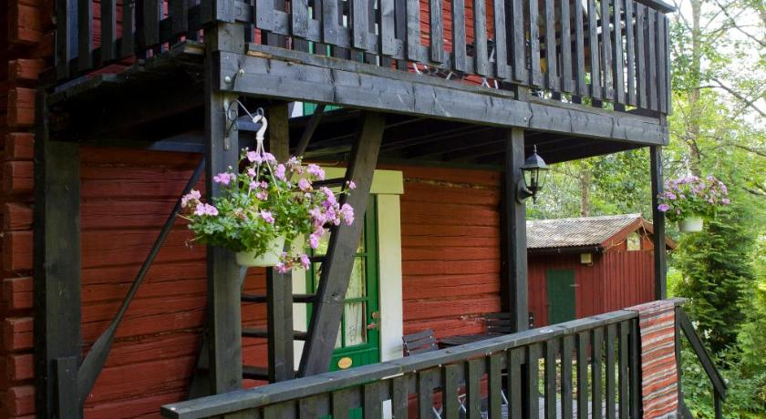 Best time to travel Lohja Martinpiha Bed & Breakfast