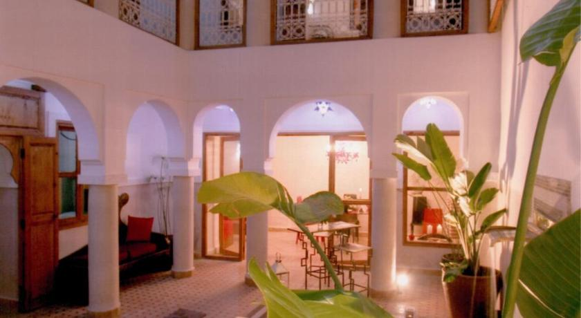 Best time to travel Morocco Riad Chalymar
