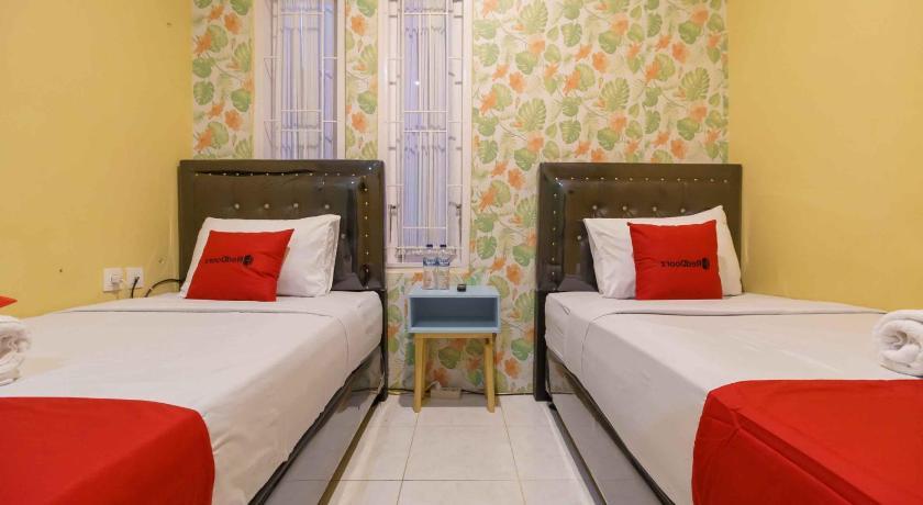 Reddoorz Syariah Near Jam Gadang Bukittinggi 2 0 Jl Syekh Arrasuli I Tengah Sawah Bukittinggi