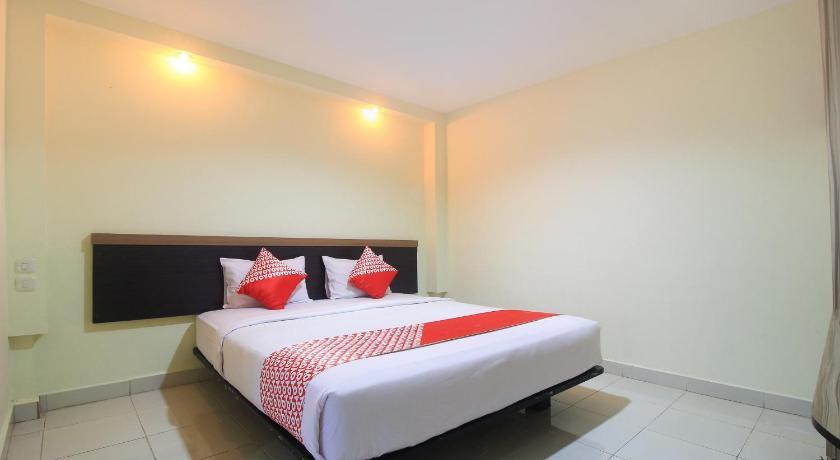 OYO 1298 D'Lira Syariah Hotel, Pekanbaru - Booking Deals ...