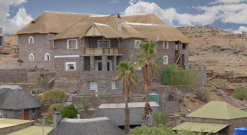 Best time to travel Namibia Seeheim Hotel