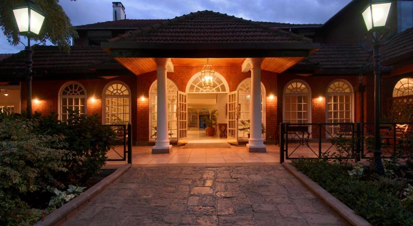 Best time to travel Kenya Fairmont The Norfolk