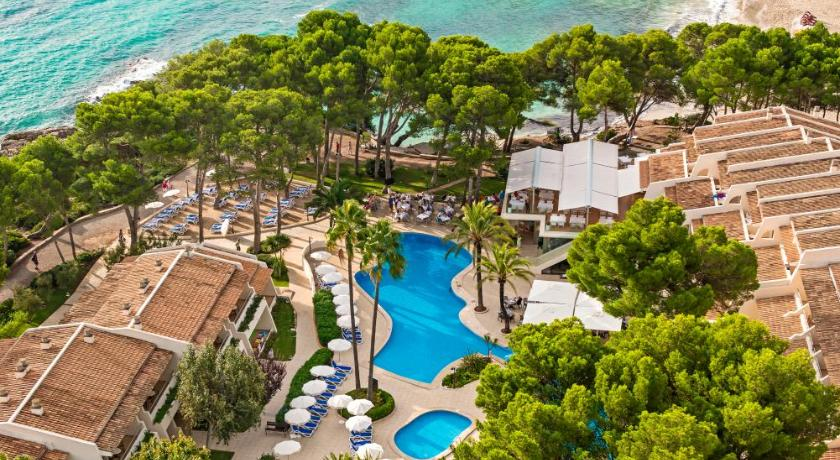 Best time to travel Menorca Iberostar Pinos Park
