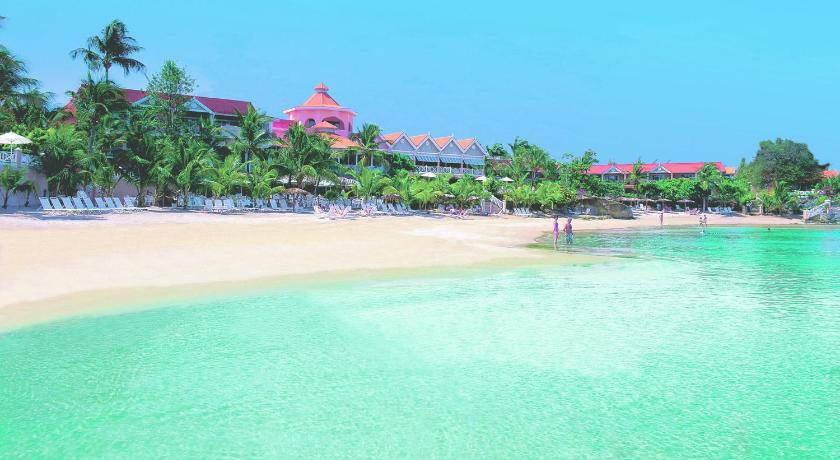 Best time to travel Paradise Coco Reef Resort & Spa