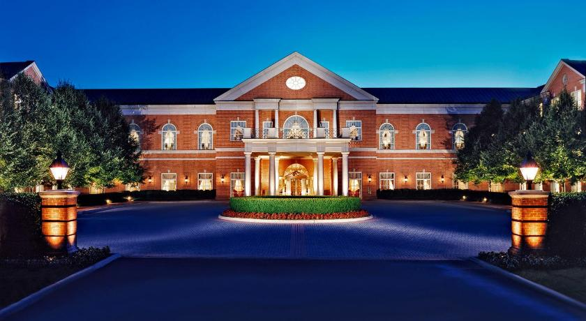 Best time to travel United States Westfields Marriott Washington Dulles