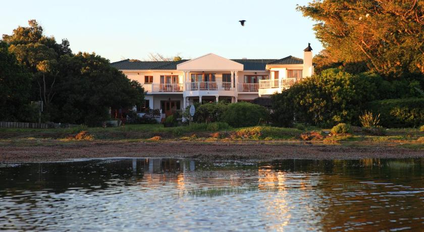 Best time to travel South Africa Waterfront Lodge