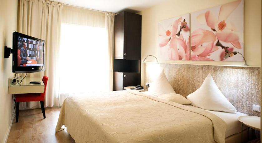 Best time to travel Kladno Hotel Andel