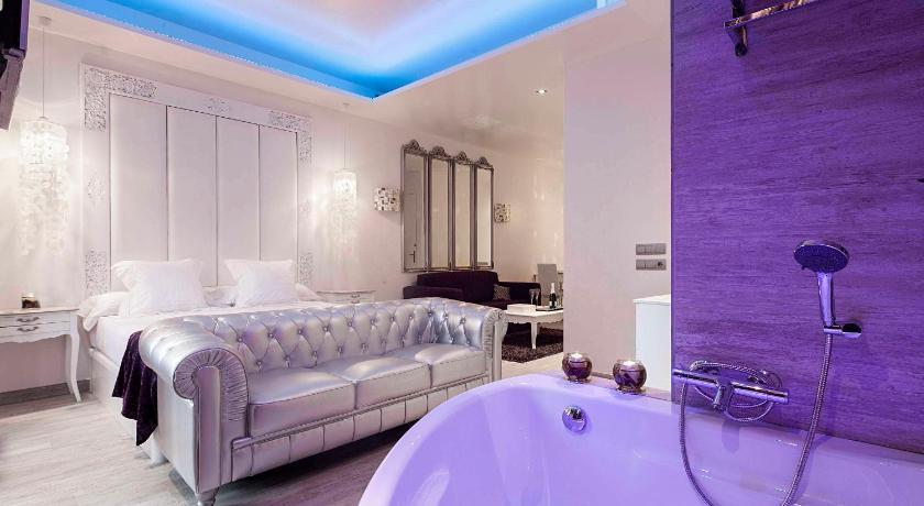 Romantic Barcelona Apartment - Barcelona