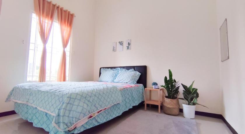 Failitas kamar Surabaya Homey near ITS Syariah