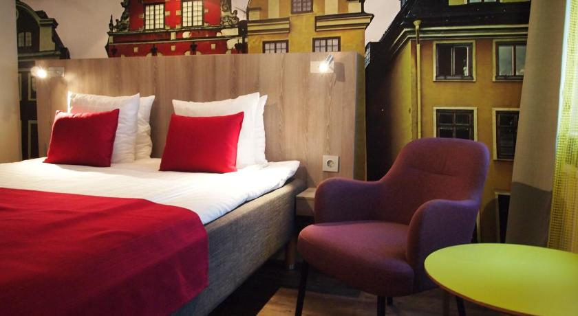 Best time to travel Sweden Central Hotel