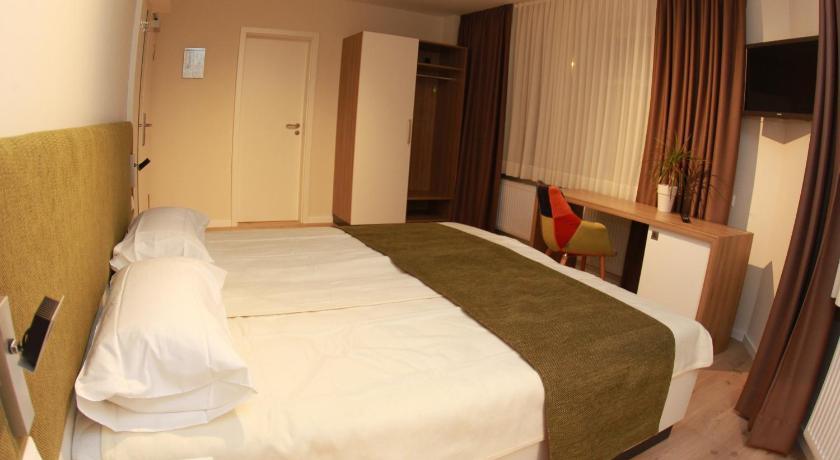 Best time to travel Bielefeld Hotel-Restaurant Entrada