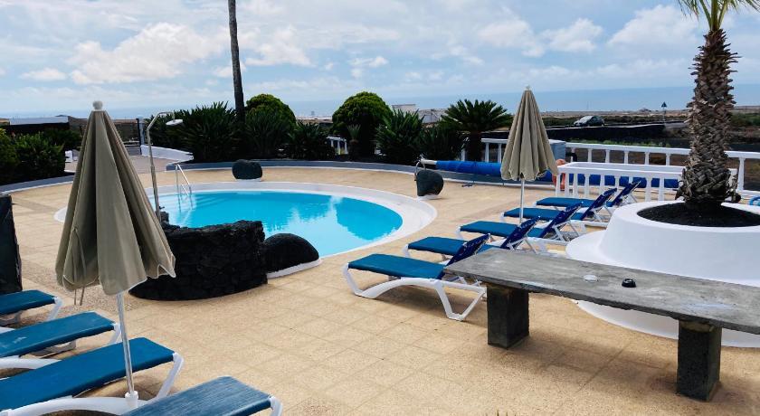 HOTEL-FINCA Rural Jose Manuel 28pax