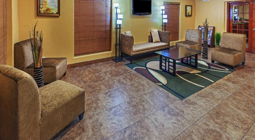 King Room Texas Inn and Suites Raymondville