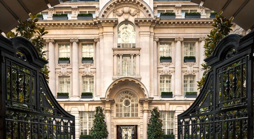 Best time to travel London Rosewood London