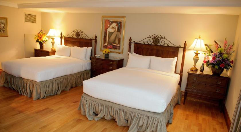 Queen Room with Two Queen Beds The Waterside Inn