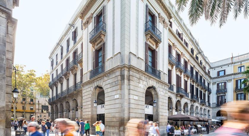 Hotel DO Plaça Reial G.L.